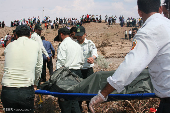 تصاویر جسد یکی از جانباختگان سیل تهران