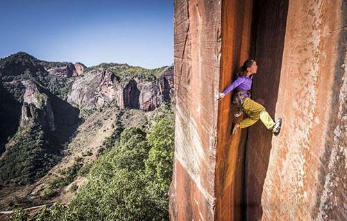 معرفی شجاع ترین زن جهان (+عکس)