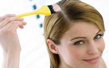 ضررهای رنگ کردن مو در دوران بارداری