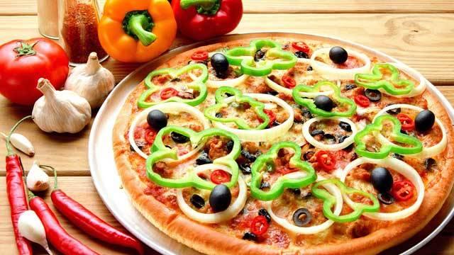 آموزش طرز تهیه پیتزا فلفل گیاهی