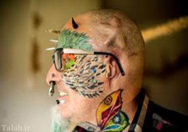مردی که گوش هایش را برای طوطی ها برید + عکس