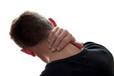 به چه علت به گردن درد مبتلا می شویم؟