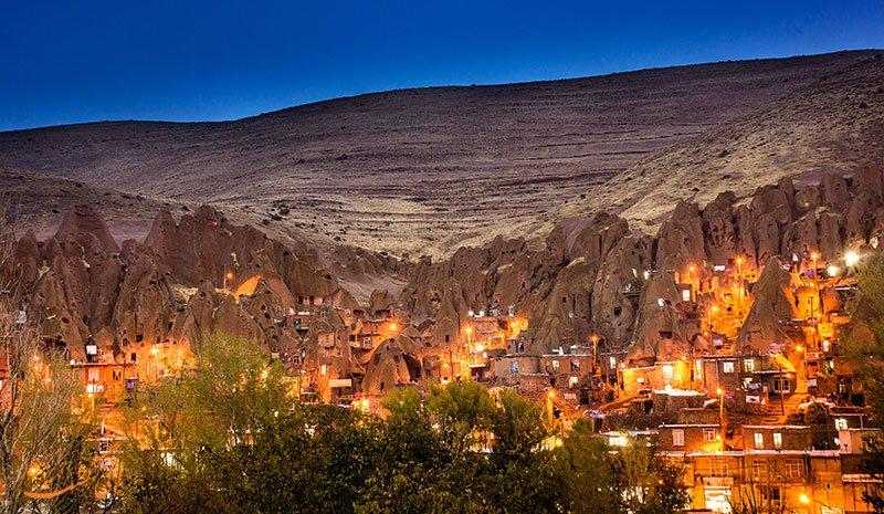 روستای سنگی و صخره ای دیدنی کندوان + تصاویر