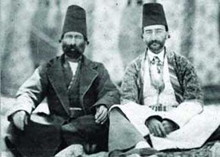 مردان قاجار چگونه لباس می پوشیدند؟