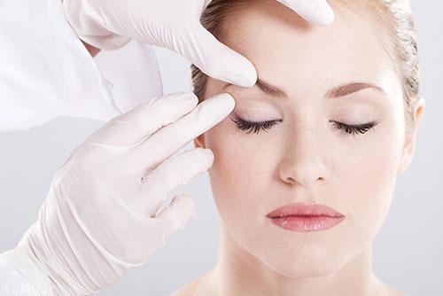 روش از بین بردن خط اخم از روی صورت