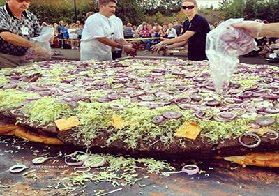 بزرگ ترین غذاهای تهیه شده دنیا + عکس