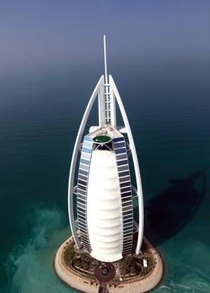 گلف بازی در ارتفاع 320 متری (عکس)