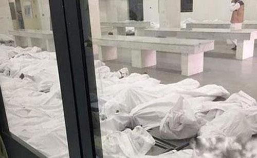 عکس های سردخانه ای که اجساد قربانیان منا را نگه می دارد