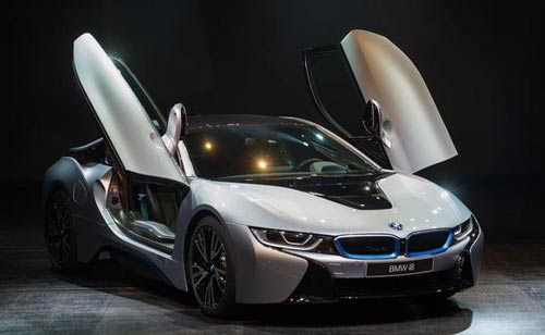 طراحی BMW i8 اسپرت با به کارگیری موتور ترکیبی