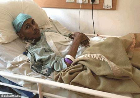 زندگی دردناک پسر جوان با یک تومور وحشتناک + عکس