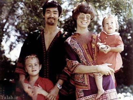 عکس کمیاب بروسلی در کنار همسر و فرزندانش