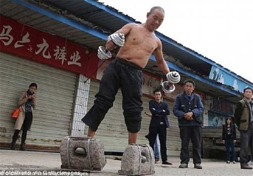 حرکت جالب و دیدنی پیرمرد چینی (عکس)