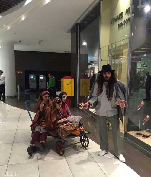 پوشش عجیب جوانان تهرانی با تیپ زمان شاه (عکس)