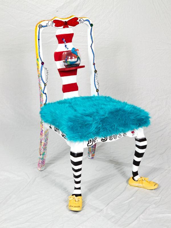 تصاویری از صندلی های عجیب و غریب در جهان