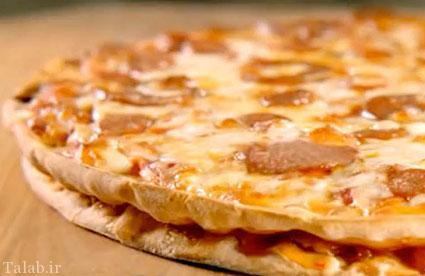 طرز تهیه پیتزا دو طبقه با فیله مرغ