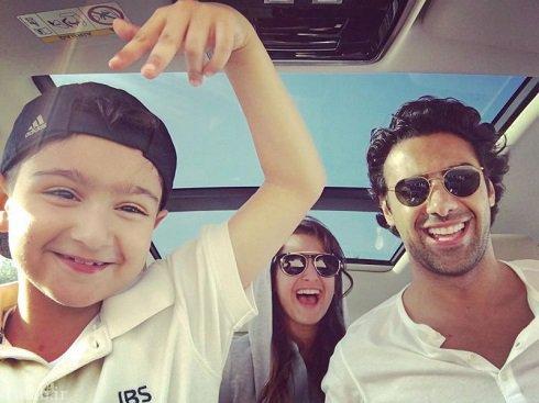 عکس سلفی جدید فرهاد مجیدی با فرزندانش