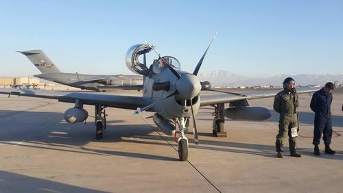 تصاویر جالب از جنگنده های امریکایی که به افغانستان تحویل داده شد