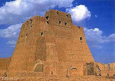 تاریخچه قلعه تاریخی سیب در سراوان + تصاویر
