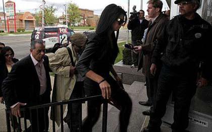 دستگیر شدن ملکه زیبایی آمریکا (عکس)