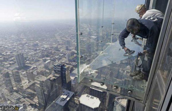تصاویری از بالکن شیشهای در طبقه ۱۰۳