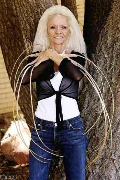 خانمی با بلندترین ناخن دنیا