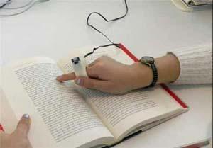 حلقه ی انگشتی سخنگو و مترجم برای افراد نابینا + عکس