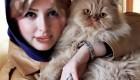 نیوشا ضیغمی به همراه گربه اش