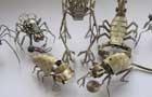 عکس های دیدنی از مجسمه حشرات با بازیافت ساعت