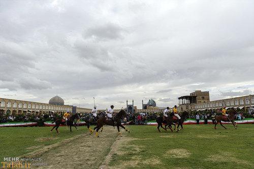 تصاویر چوگان بازی در نقشجهان اصفهان