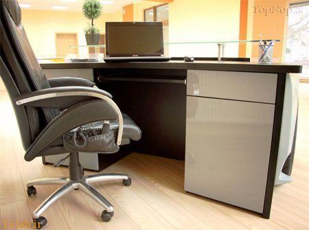 عکس هایی جالب از میز کار در دفتر شرکت لامبورگینی
