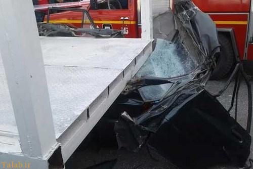 سقوط پل عابر پیاده بر روی راننده پراید