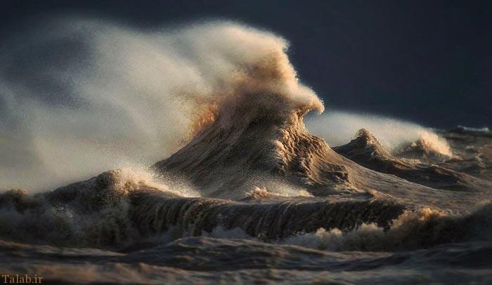 عکس های دیدنی از شکوه امواج دریا