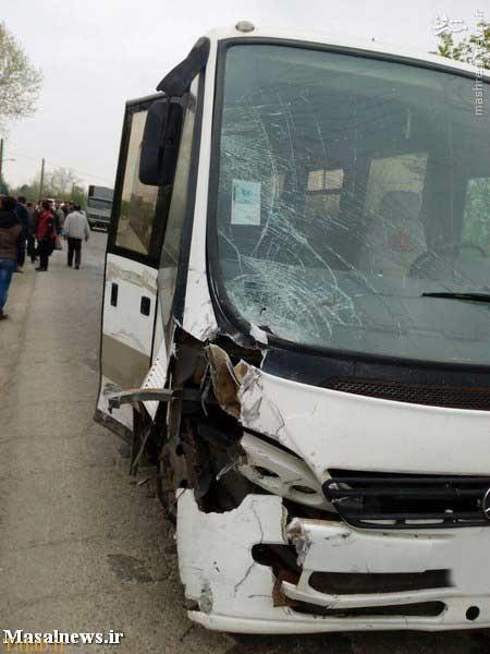 خودروی تیبا؛ بعد از تصادف مرگبار با مینیبوس !+ عکس