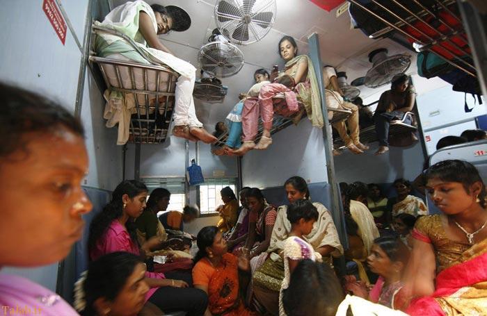 عکس های جالب و دیدنی از مسافران قطار در هند