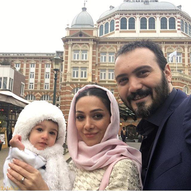 کامبیز دیرباز در کنار همسرش و دخترش در ایام نوروز + عکس