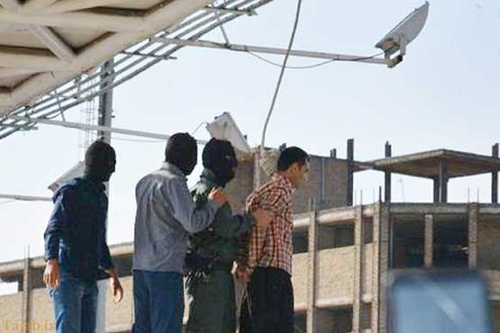 عکسی از اعدام دزد مسلح در ملأعام