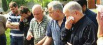 اشک علي پروين بر سر مزار مهرداد اولادي (+عکس)