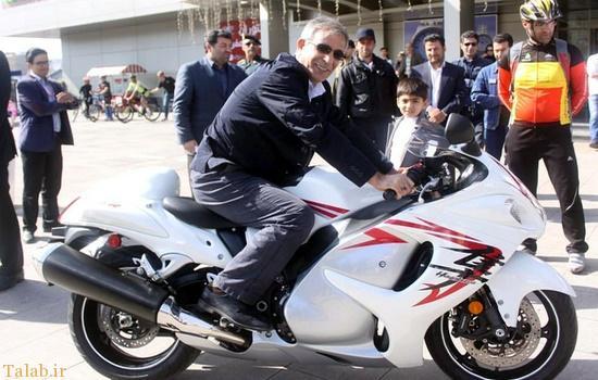 عکسی جالب از شهردار تبریز سوار بر موتور ۱۰۰۰