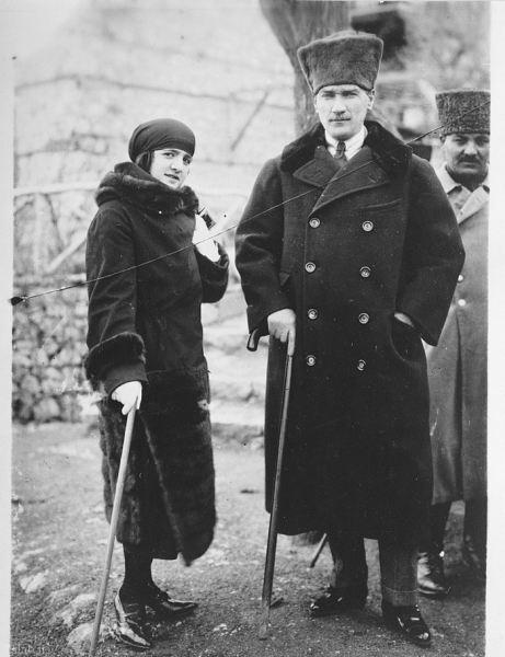 وقتی همسر آتاتورک با حجاب بود + عکس