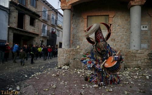 عکس هایی دیدنی از حمله به شیطان در اسپانیا