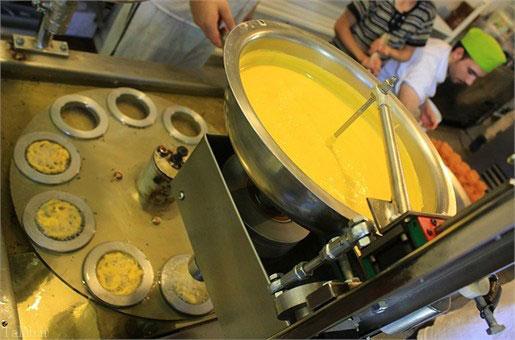 تصاویر کارگاه پخت زولبیا و بامیه
