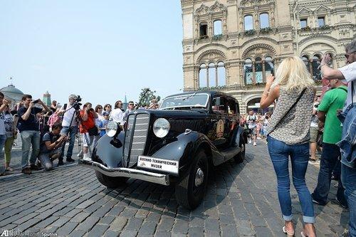 تصاویری از رژه اتومبیل های کلاسیک در روسیه