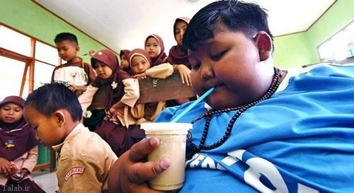 چاق ترین پسربچه دنیا به مدرسه رفت (عکس)
