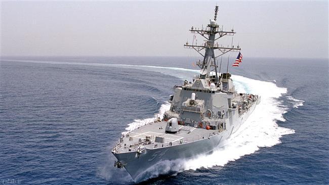 مانور۴ قایق تندروی سپاه در 300 متری ناو آمریکایی + تصاویر