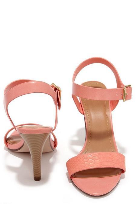 صندل های زیبا برای خانم های زیبا