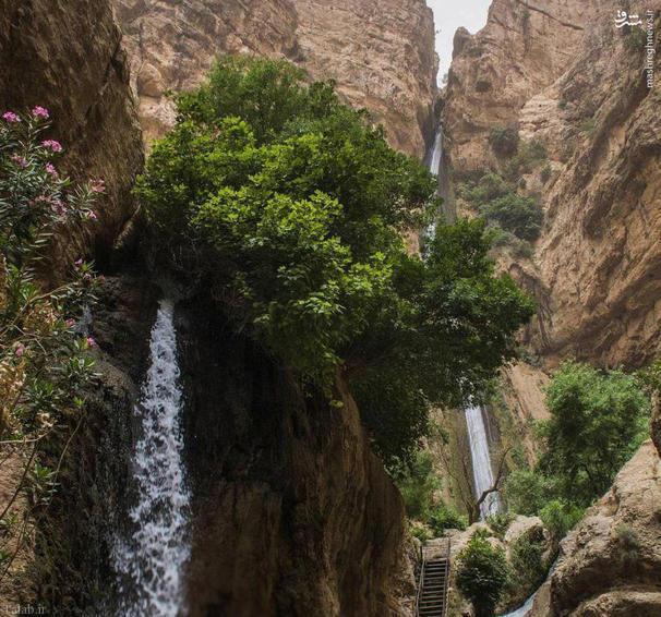 منظره ای زیبا از آبشار 180 متری پیران (+عکس)