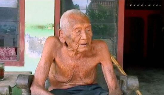 فکر میکنید آرزوی پیرترین مرد دنیا چیست ؟ (+عکس)
