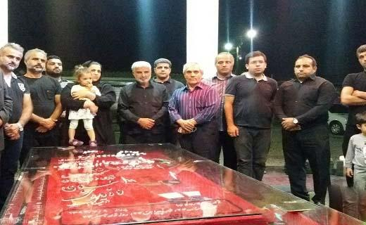 حضور طاهری بر سر مزار هادی نوروزی (+عکس)