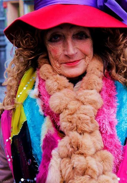زیباترین گدای جهان این زن 80 ساله (+عکس)