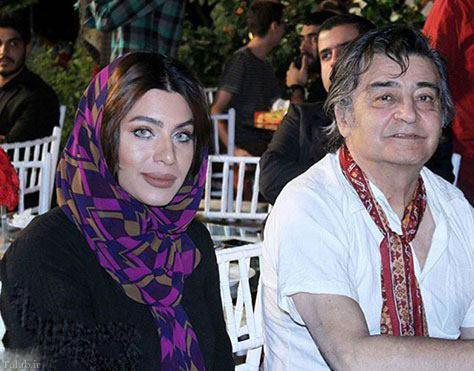 تصویری از رضا رویگری و همسر جوانش در یک میهمانی